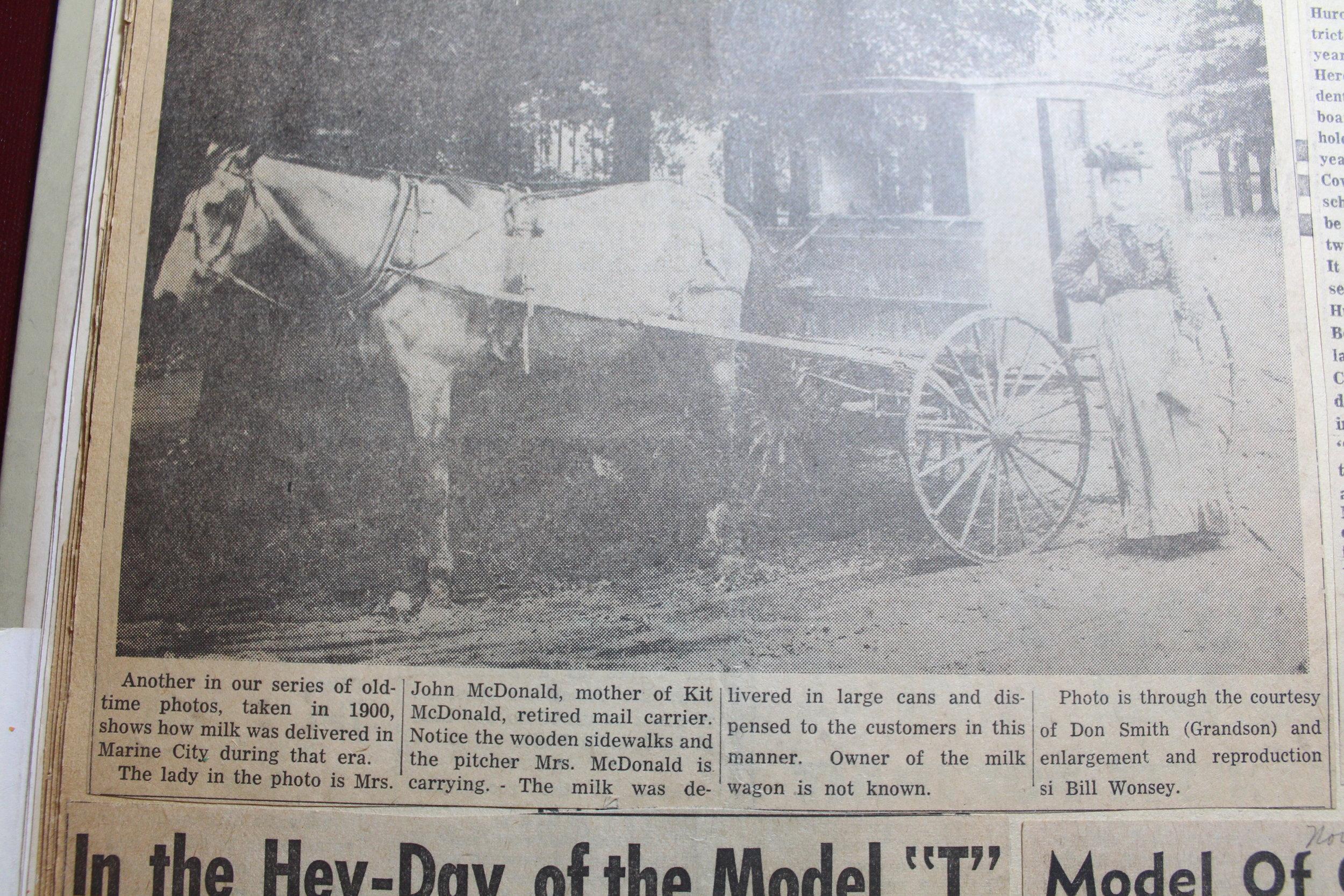 Milkwagon 1900.JPG