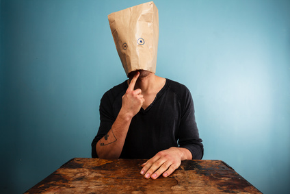 """Foto: """"Silly man with a bag over his head"""" 