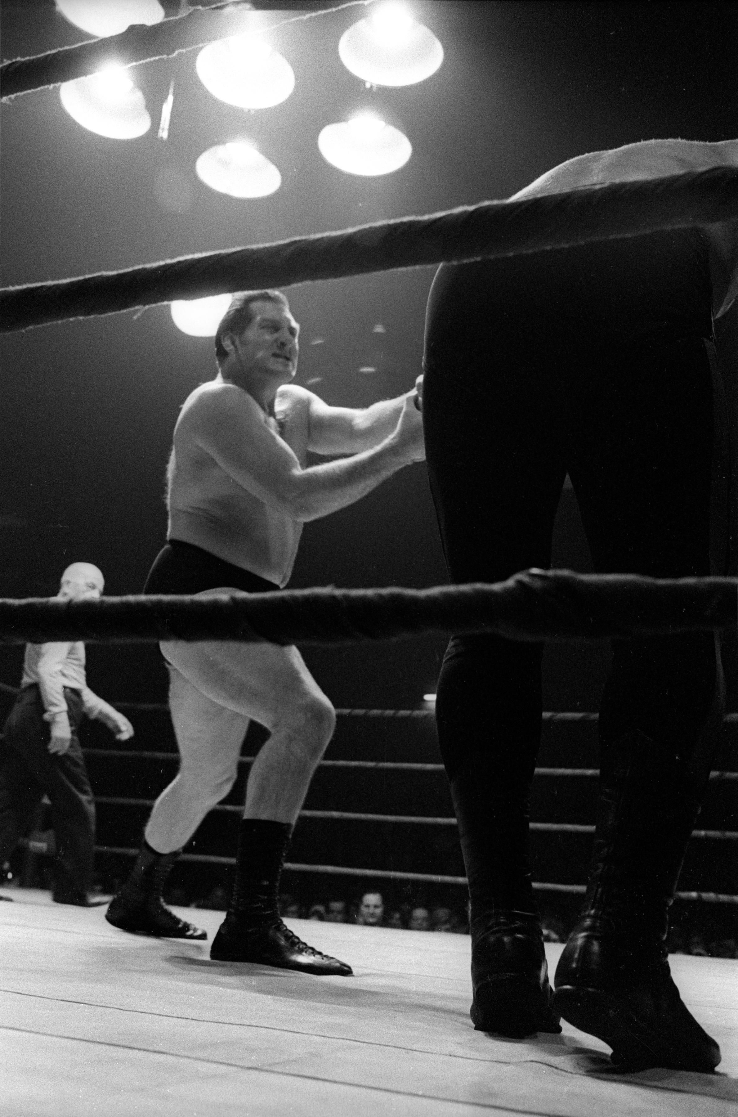 Juan Caruso vs Mike Conrad