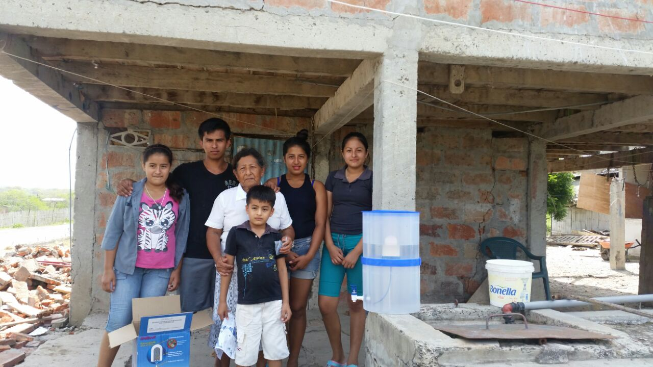 PADF and partners Paz y Esperanza delivered 660 water filters to quake victims in Portoviejo, Ecuador.