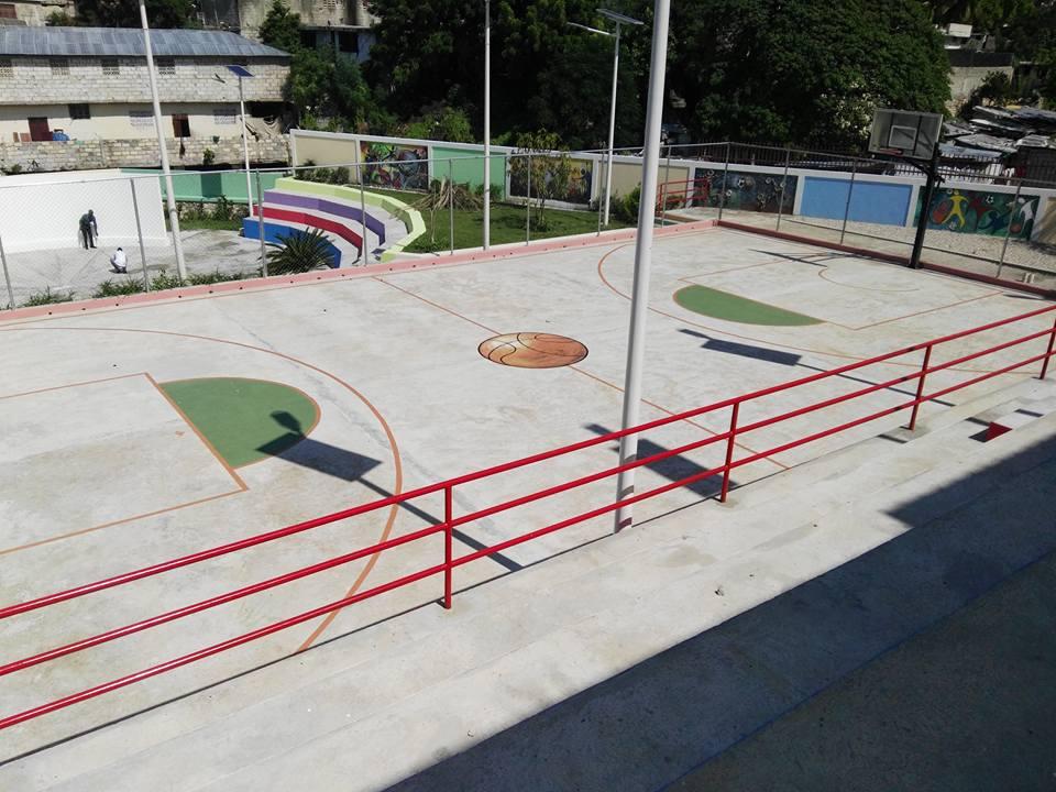 Delmas 32 Basketball Court
