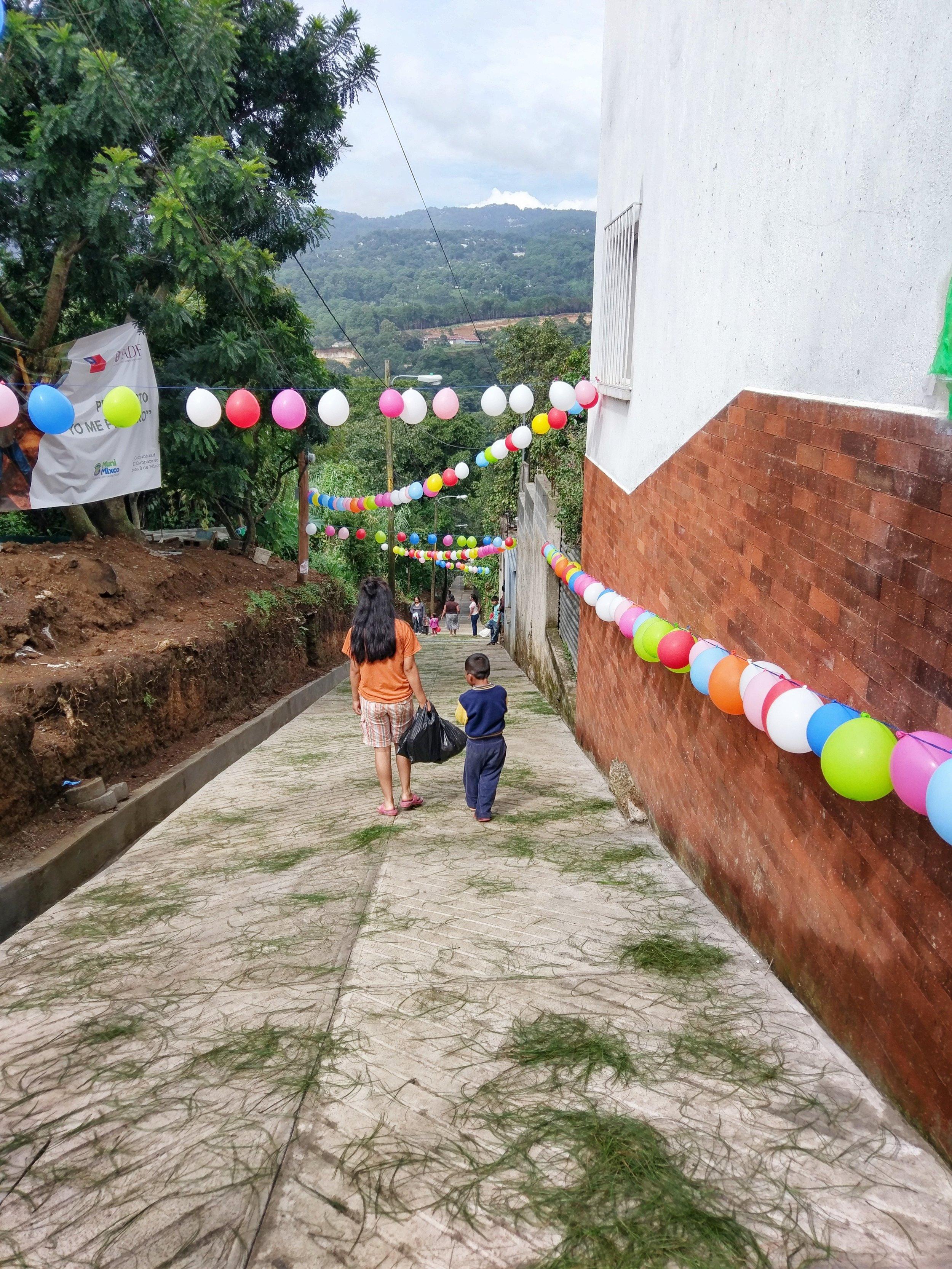 guatemala road1.JPG