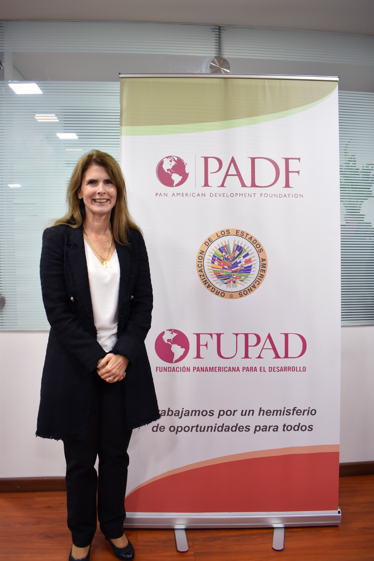 Katie Taylor on a visit to the Colombia FUPAD office.