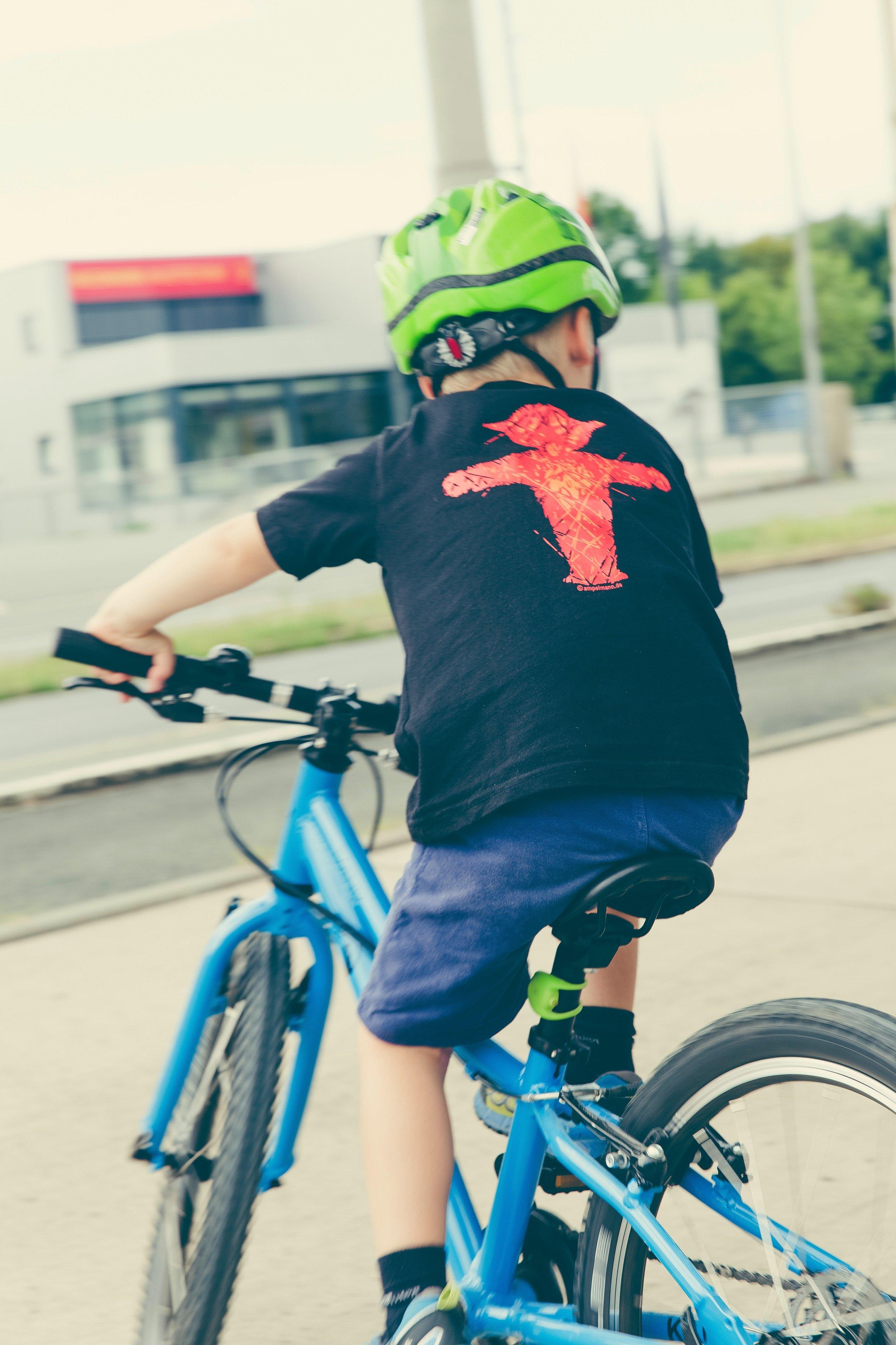 cycling_child.jpg