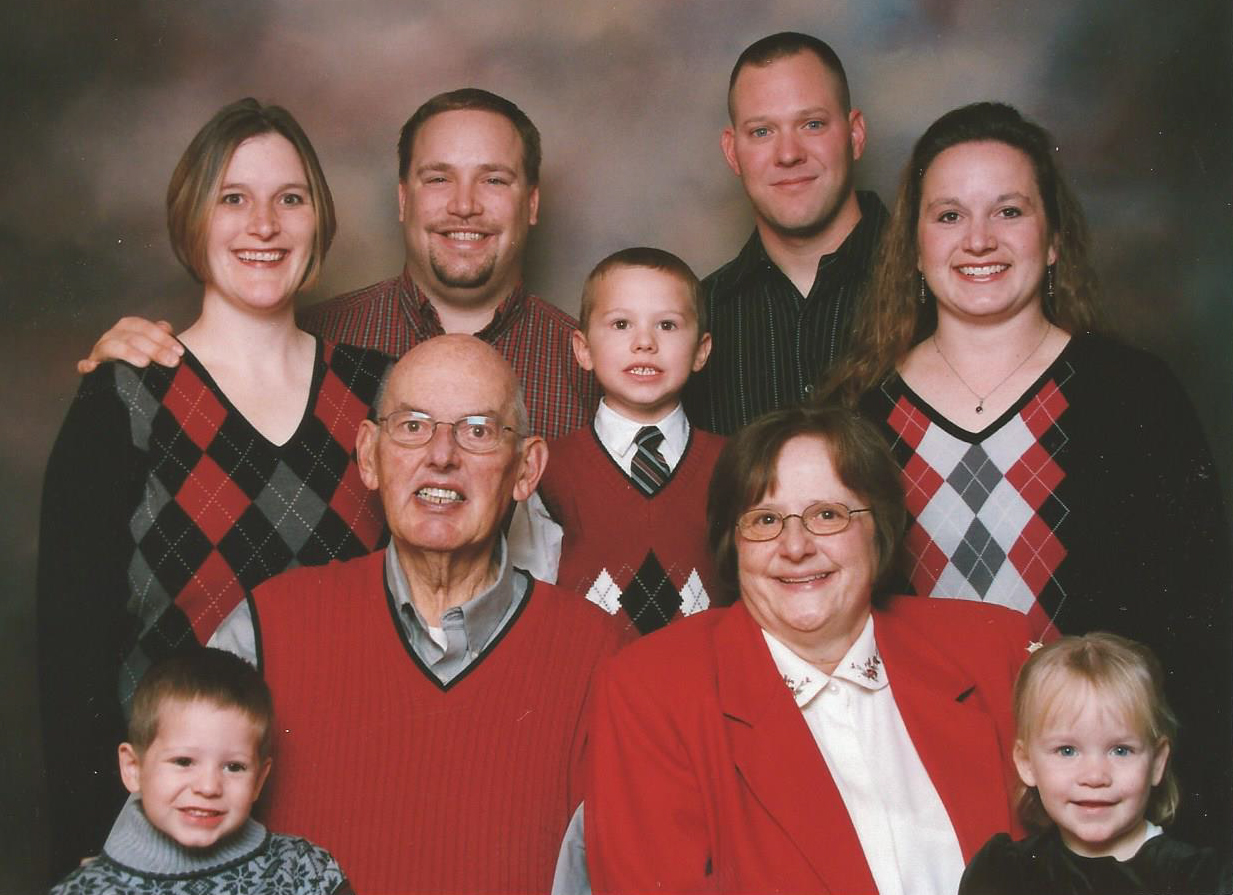 Bob and Nancy Abbott with their family