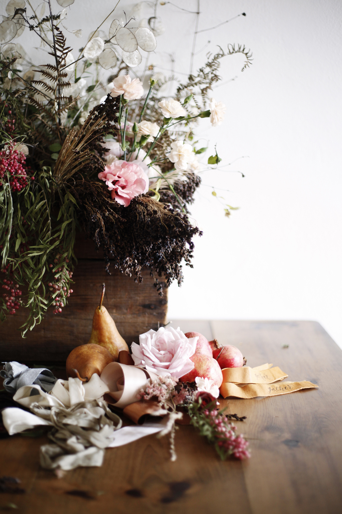 foraged-fall-posy-tutorial-mini-bouquets-for-your-thanksgiving-table-coco-kelley-1.jpg