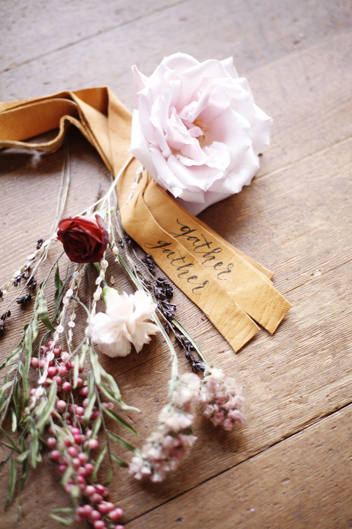 foraged-fall-posy-tutorial-mini-bouquets-for-your-thanksgiving-table-coco-kelley-2.jpg