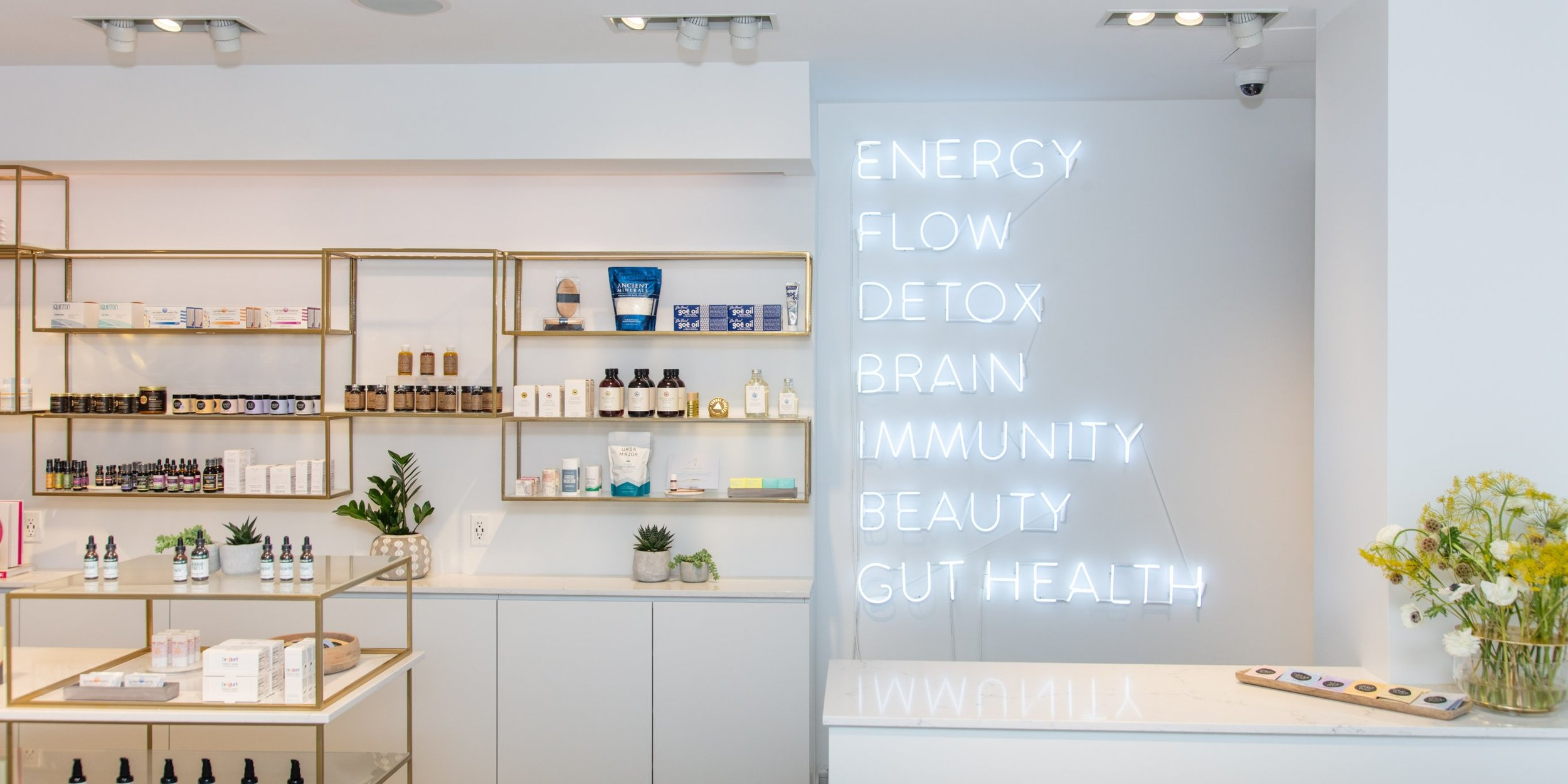Clean Market  Cafe and tonic bar, featuring medical grade supplements and spa services