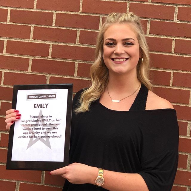 Help us congratulate Emily on becoming a Level 1 Professional Stylist!!!!! Congratulations Emily on making it through the associate program and working so hard to reach this day! Congrats! ❤️💯