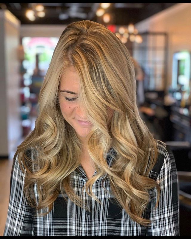 Honey Blonde for the Fall!! Performed by Sharon Daniel Salon Professional Stylist Daylie @dayliesds