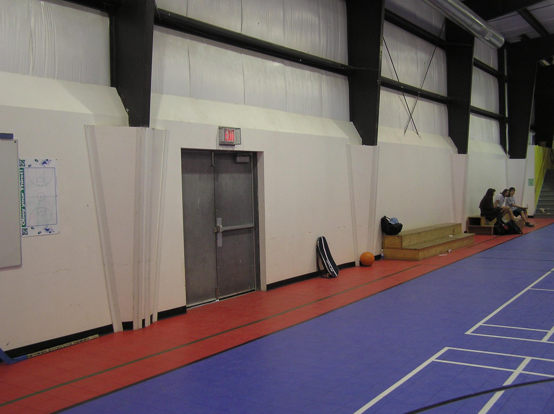Edison School Gym 04.jpg