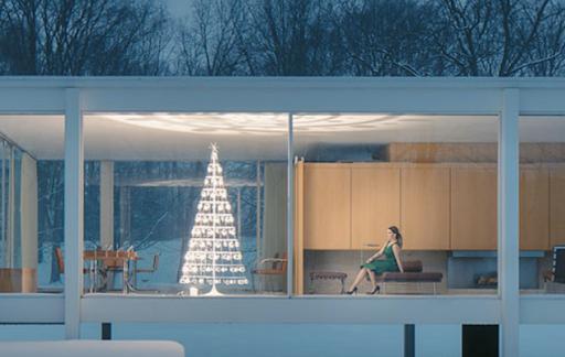 Image via    Modern Christmas Tree