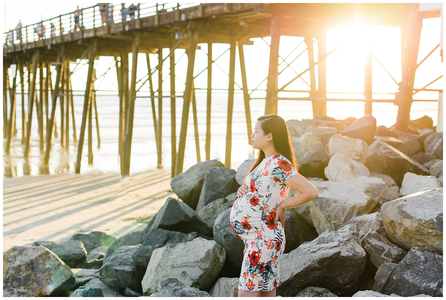 oceanside-pier-beach-maternity-photography.jpg
