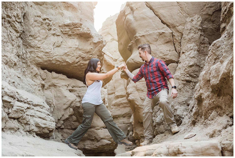 rock-climb-desert-engagement-photography-cate-batchelor.jpg