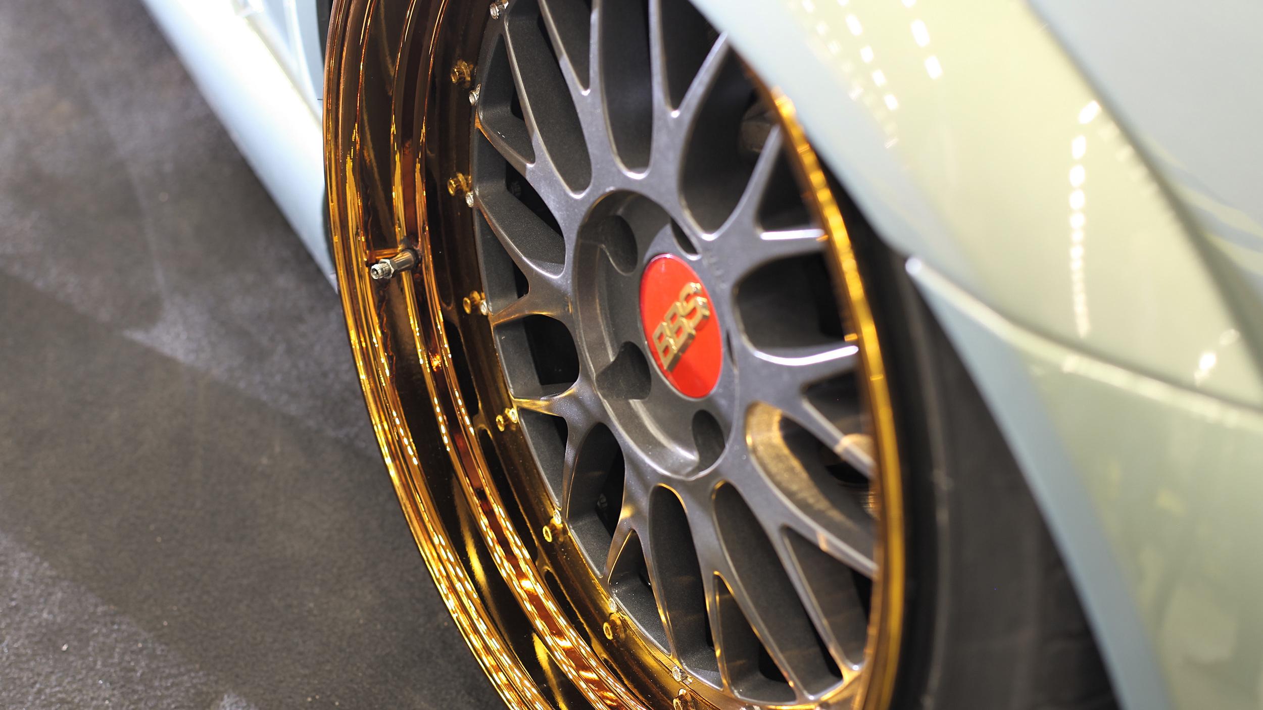 Santeri Hiltunen's BBS Le Mans wheels got a fresh coat (over ten coats actually) on the lips.
