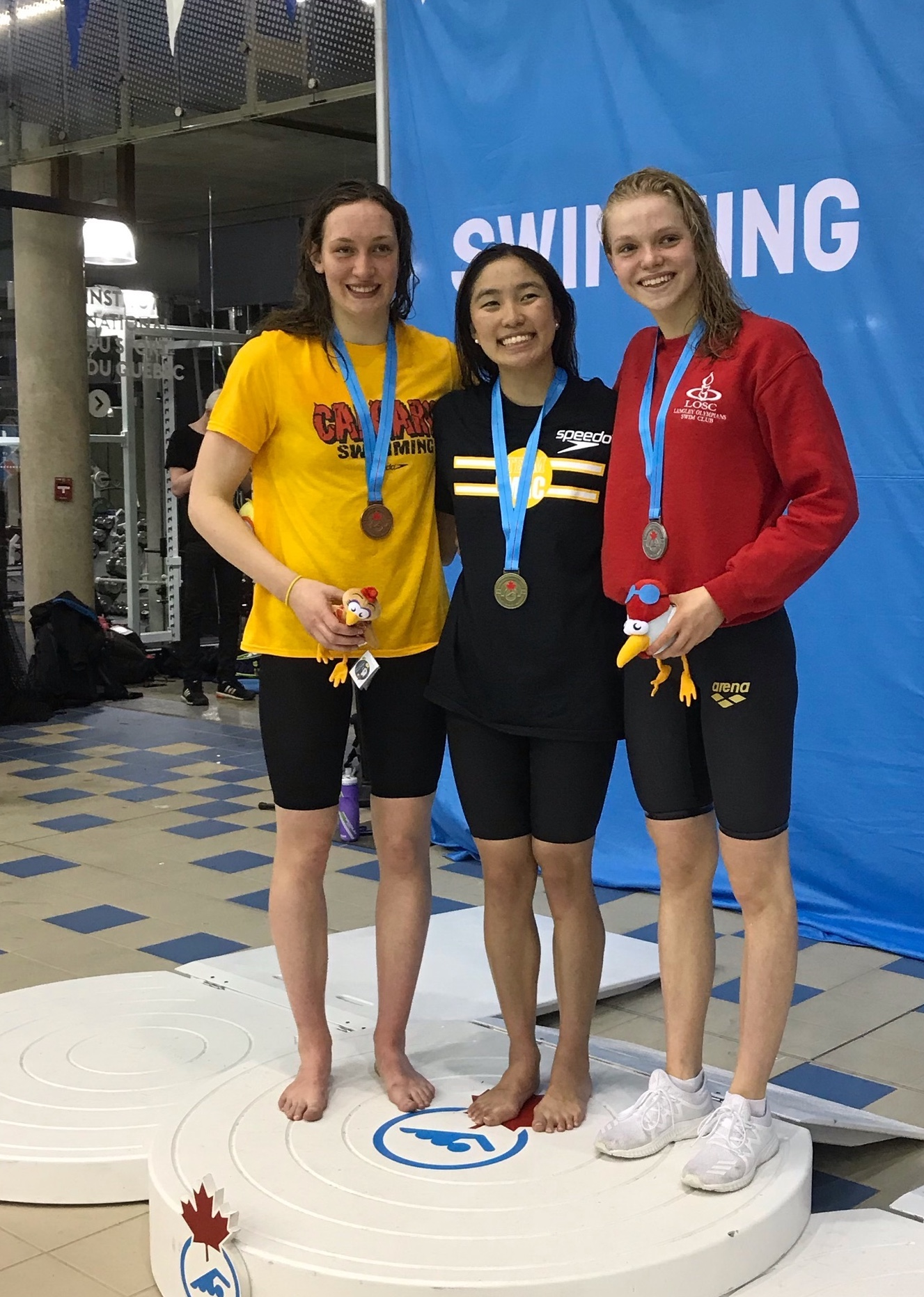 Bailey Herbert (LOSC), on right, with her W400IM silver medal