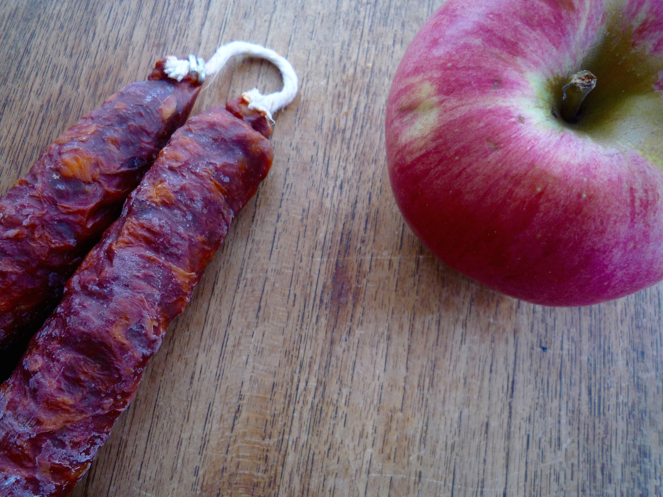 fig. d:  apple hearts sausage