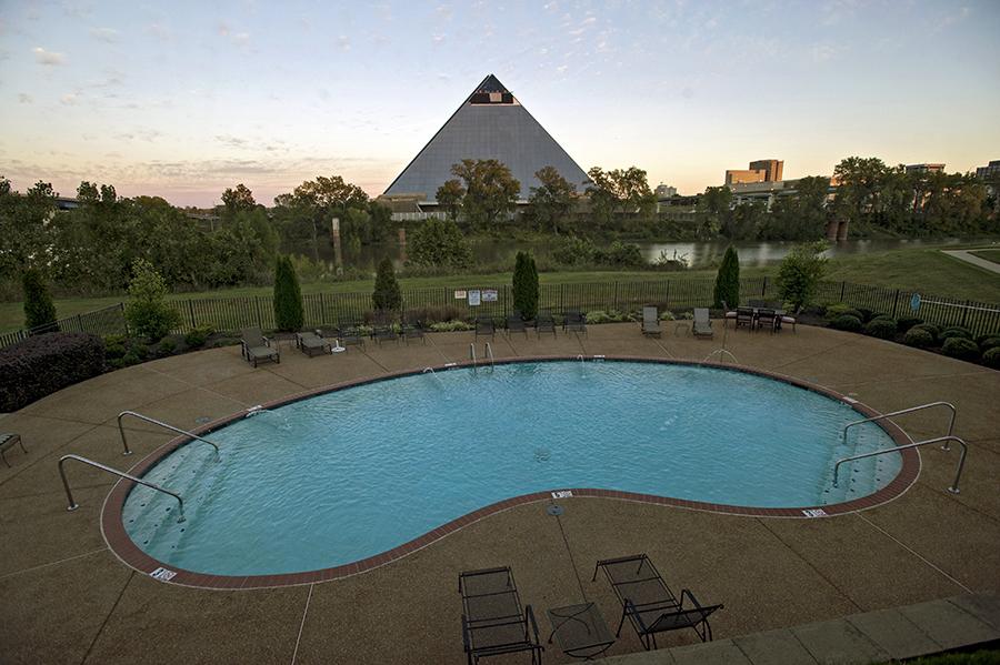 pyramidportrait25.jpg