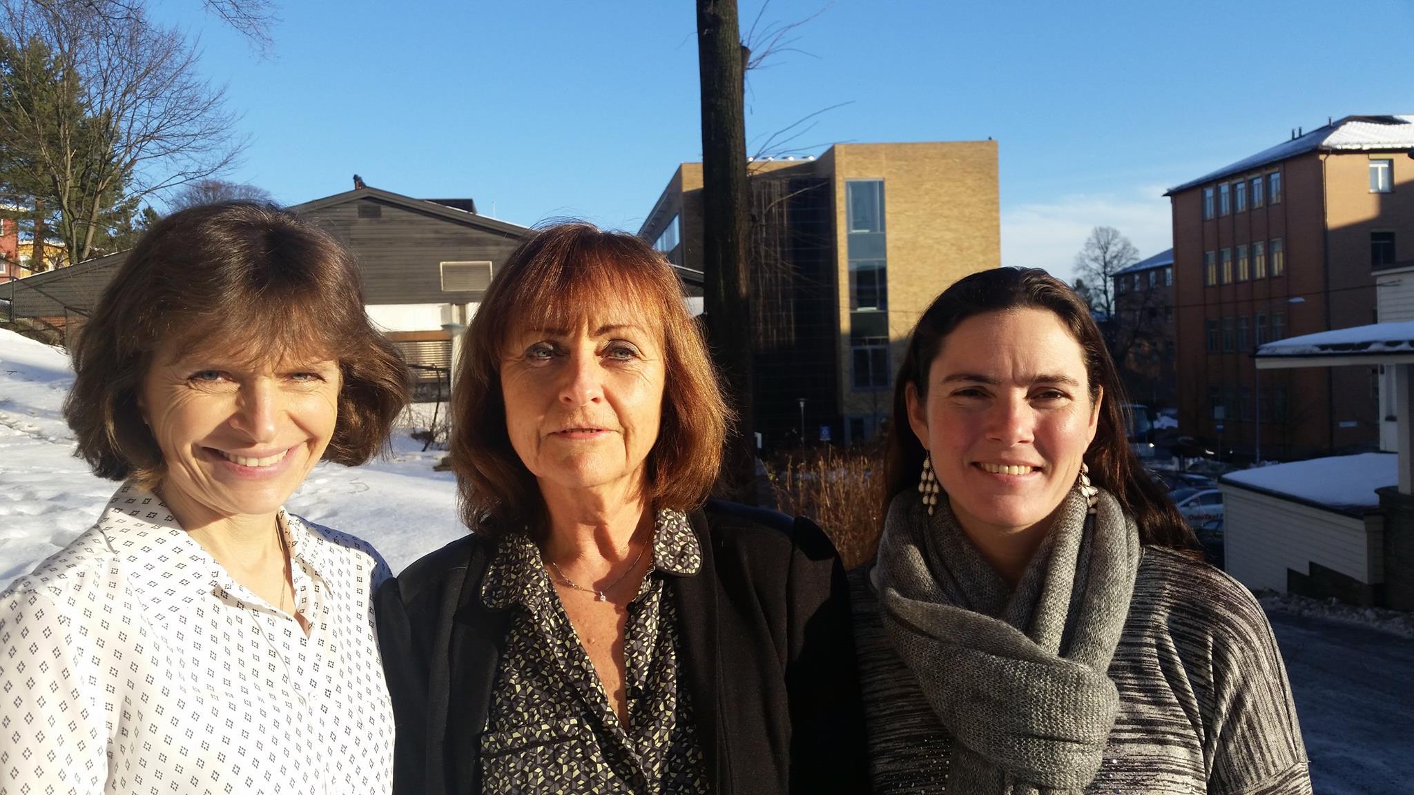 Vi skaldrive AktivA-programmet fremover!Fra venstre, forskerneMay Arna Risberg, Inger Holm og Anne Therese Tveter. Følg oss gjerne på egen  Facebook-side.                                 www.forskerlivet.no