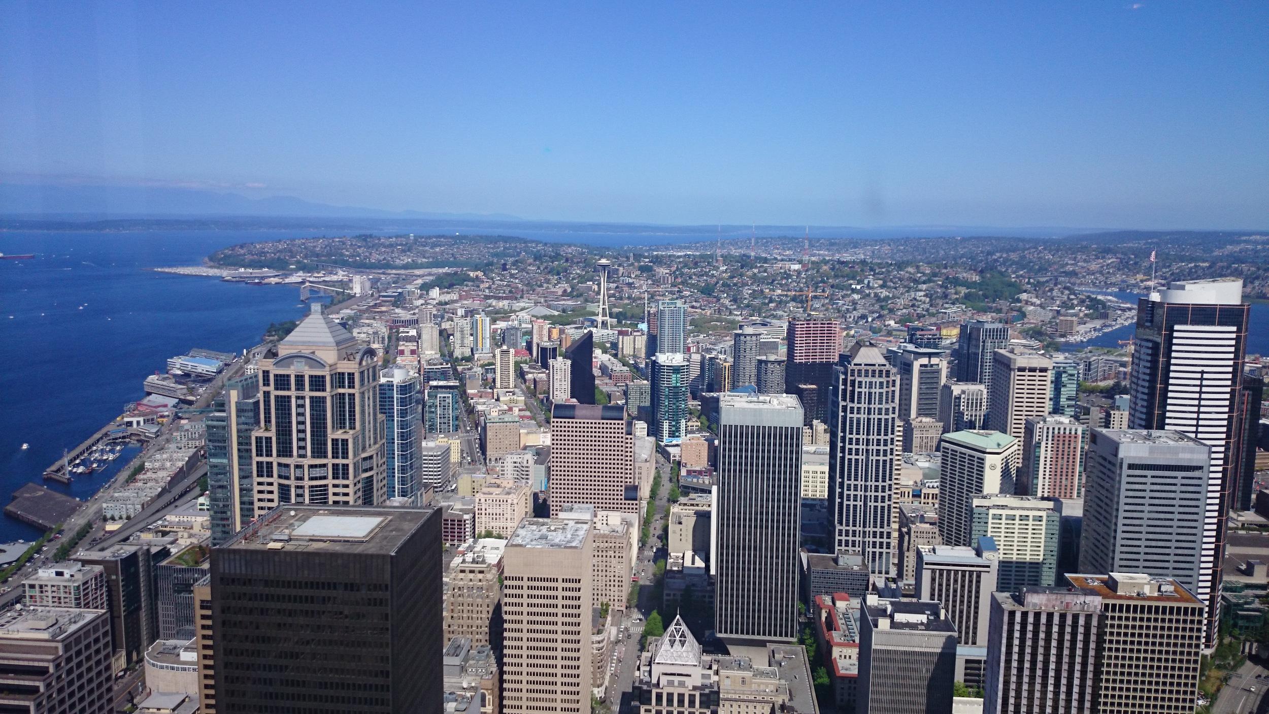 OARSI kongressen ble avholdt i Seattle i USA 30.4 - 3.5/2015. Det var travle dager, men det ble likevel litt tid til sightseeing. Dette bildet er tatt fra Columbia Center som erdet høyeste tårnet i Seattle. www.forskerlivet.no