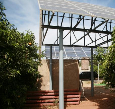 Pompage solaire en structure surelevée