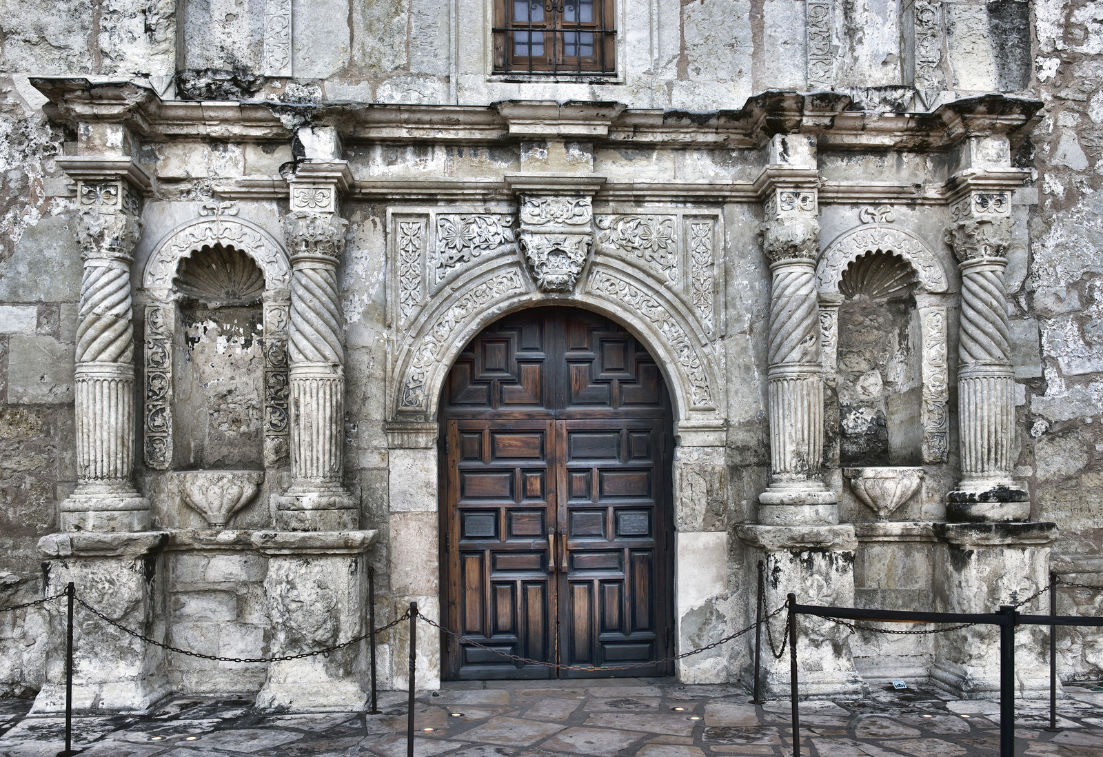 entrance to the alamo