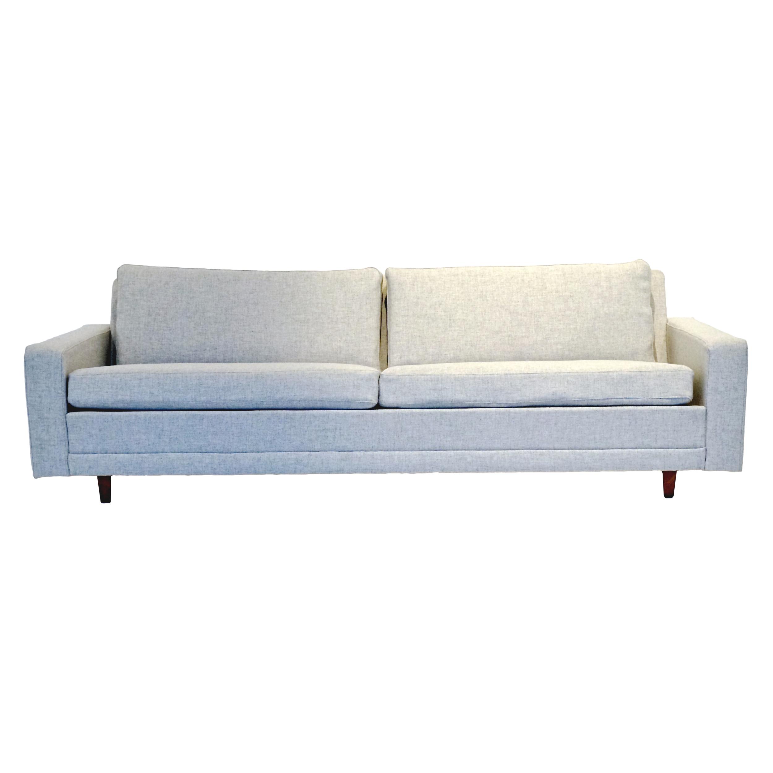 Dux, Grå  3-sits soffa.  L 207cm SittH38 D76   Lagerstatus: I lager.