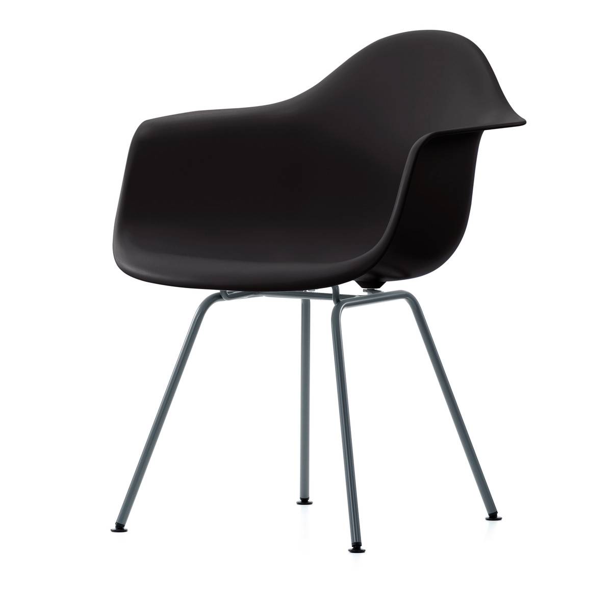 Eames Armchair DAX VITRA  Klädd sits svart,ben pulverlackade svart. B: 63 cm, H; 83 cm, Djup. 59 cm, Sitthöjd; 43 cm    Lagerstatus: I lager.