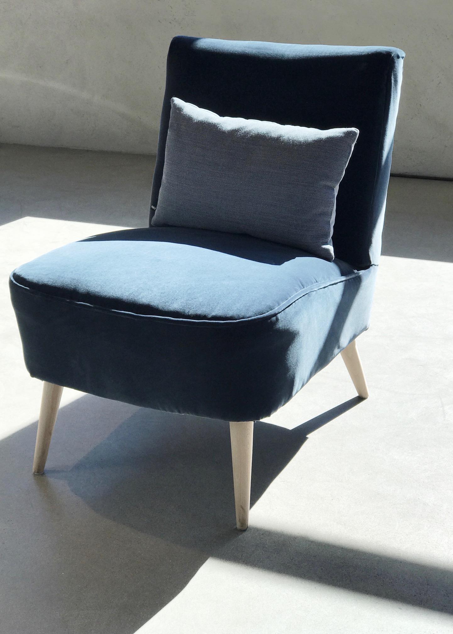 Vintage Fåtölj SELMA   Klädsel duvblå sammet  B 52 cm H 43 cm Djup 52 cm