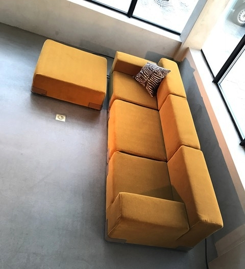 Plastics Piero Lissoni Modulsoffa   Klädsel Mohair Sammet Kvadrat, color Burnt orange  H: 30 cm , B 90 cm, L 90 cm   Lagerstatus; I lager