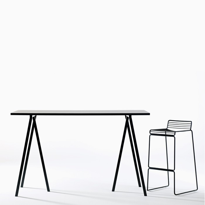 HAY - Loop Stand High Table
