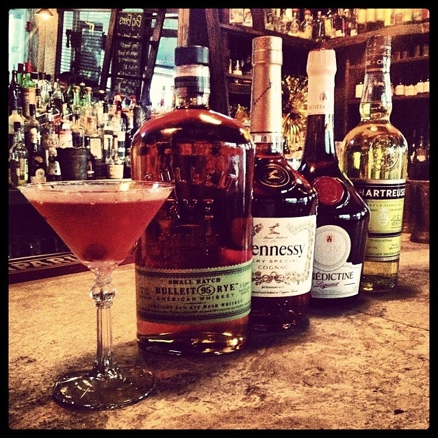 Cocktail o' the Week: Western Kiss... Rye, Cognac, Chartreuse, Benedictine, Bitters #thecornerscocktails