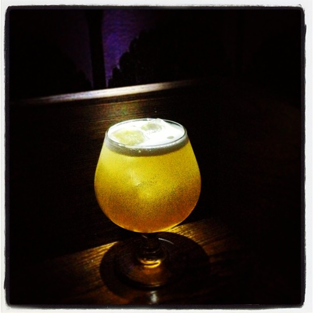 Cocktail o' the Week: Top Hat... Rye, Scotch, Suze, Lemon, Weihestephaner Hefe Weiss, Orange Bitters. Fresh! #thecornerscocktails