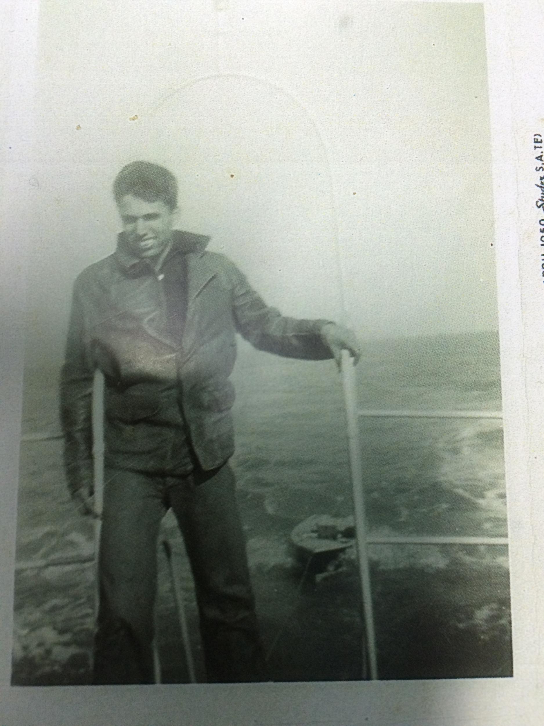 Rudy Ramirez exploring the great sea