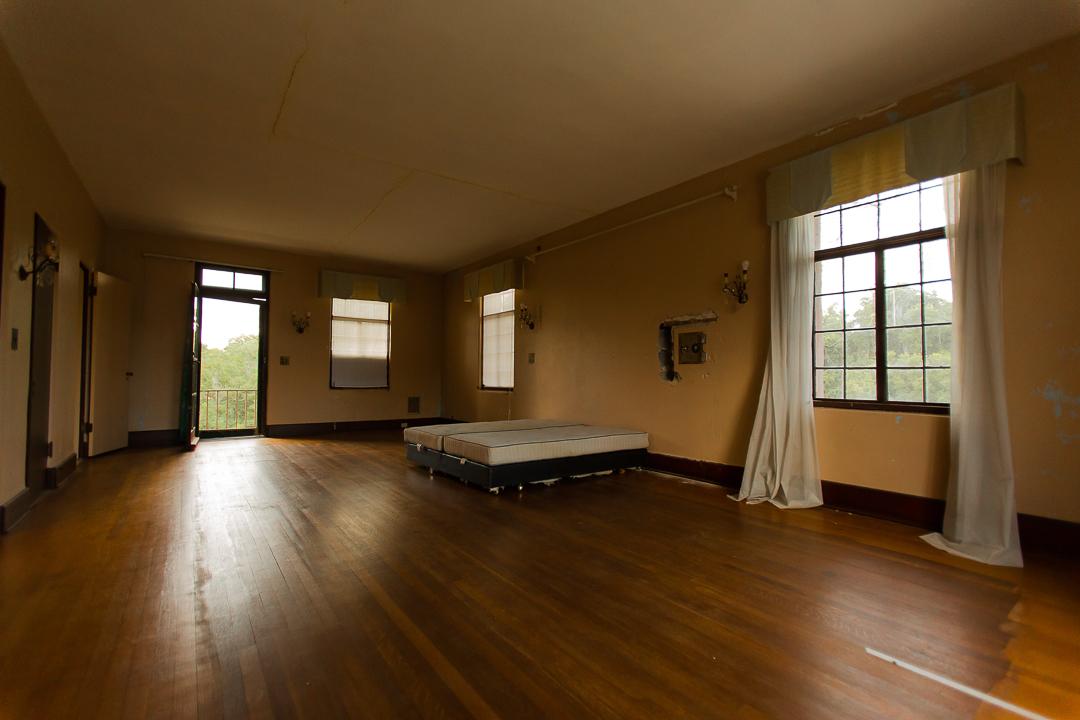 Howey House Master Bed Room