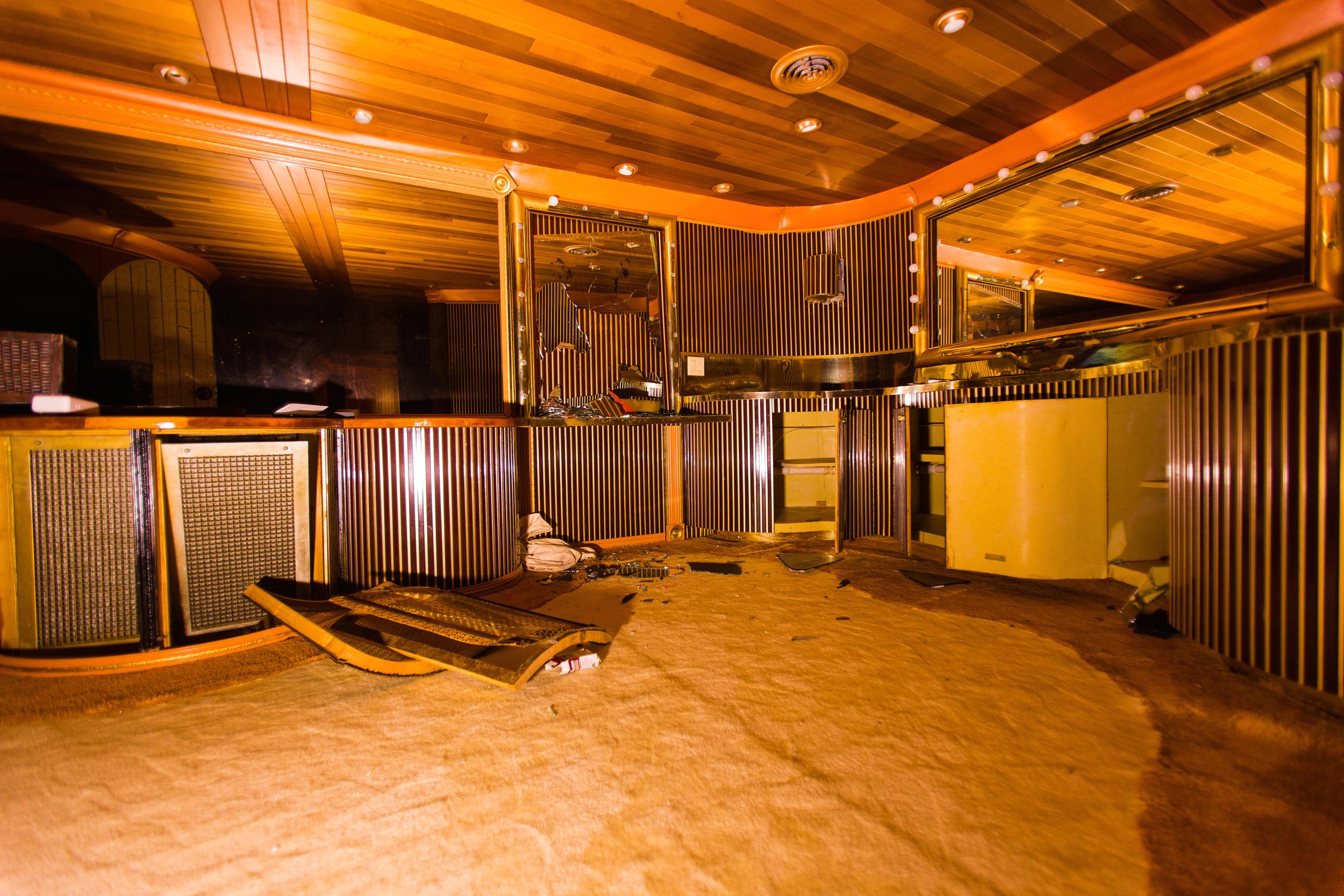 Glass Bank Penthouse Bathroom
