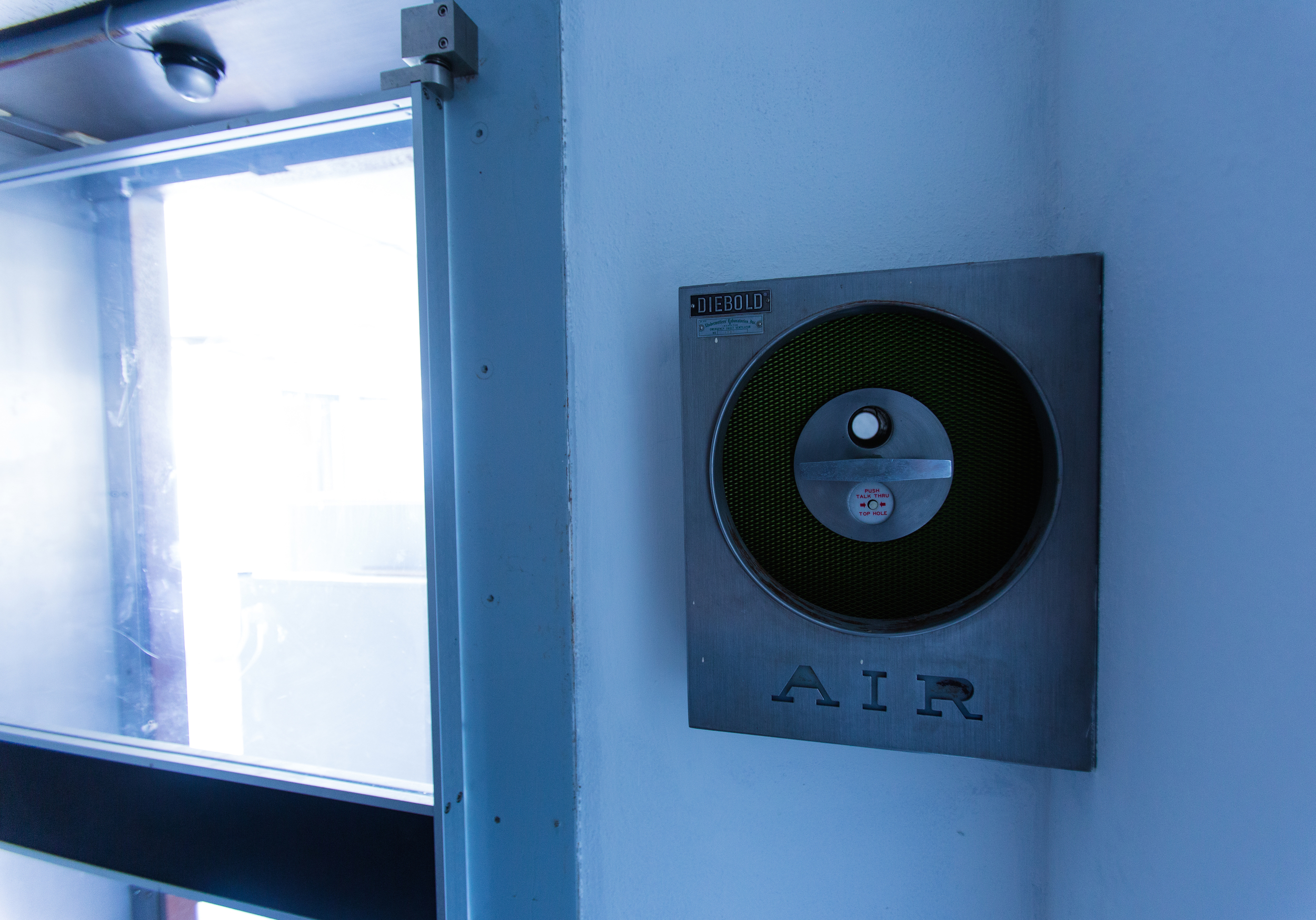 Glass Bank Air