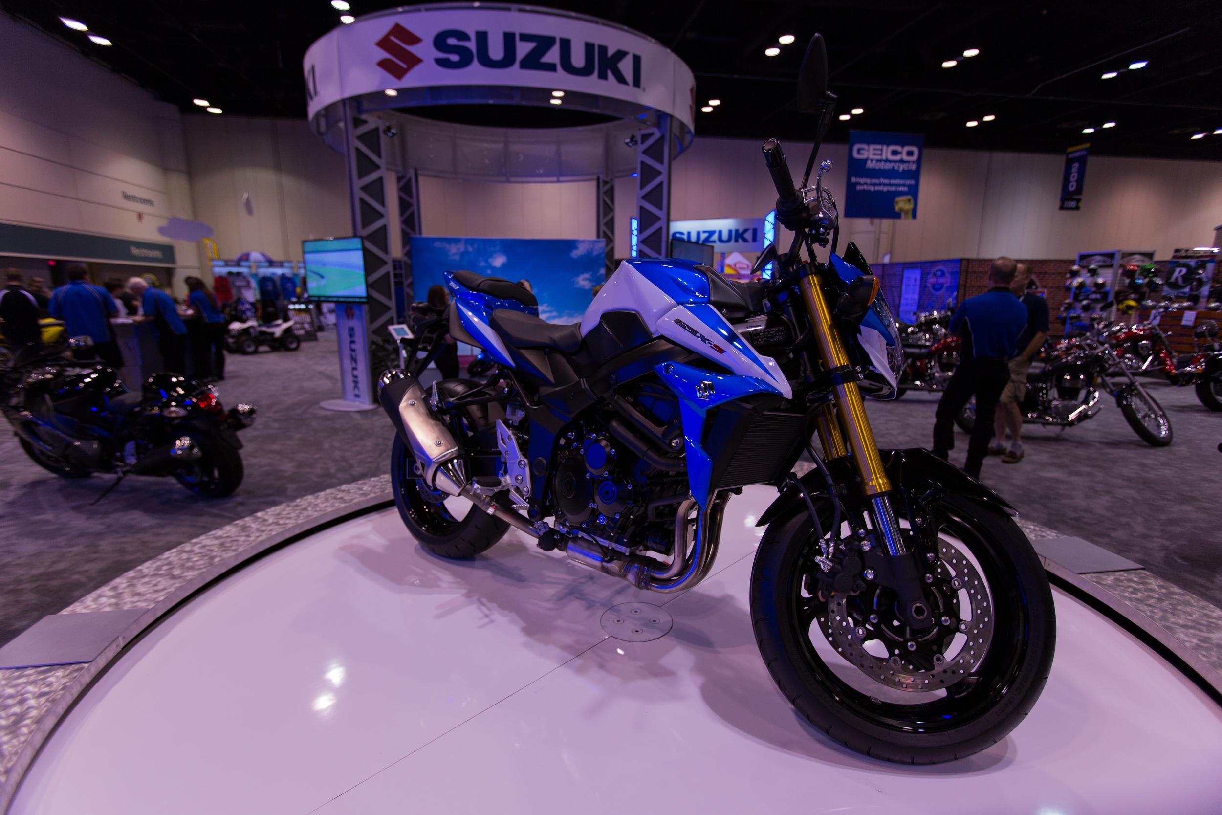 AIM Expo - Suzuki GSR 750