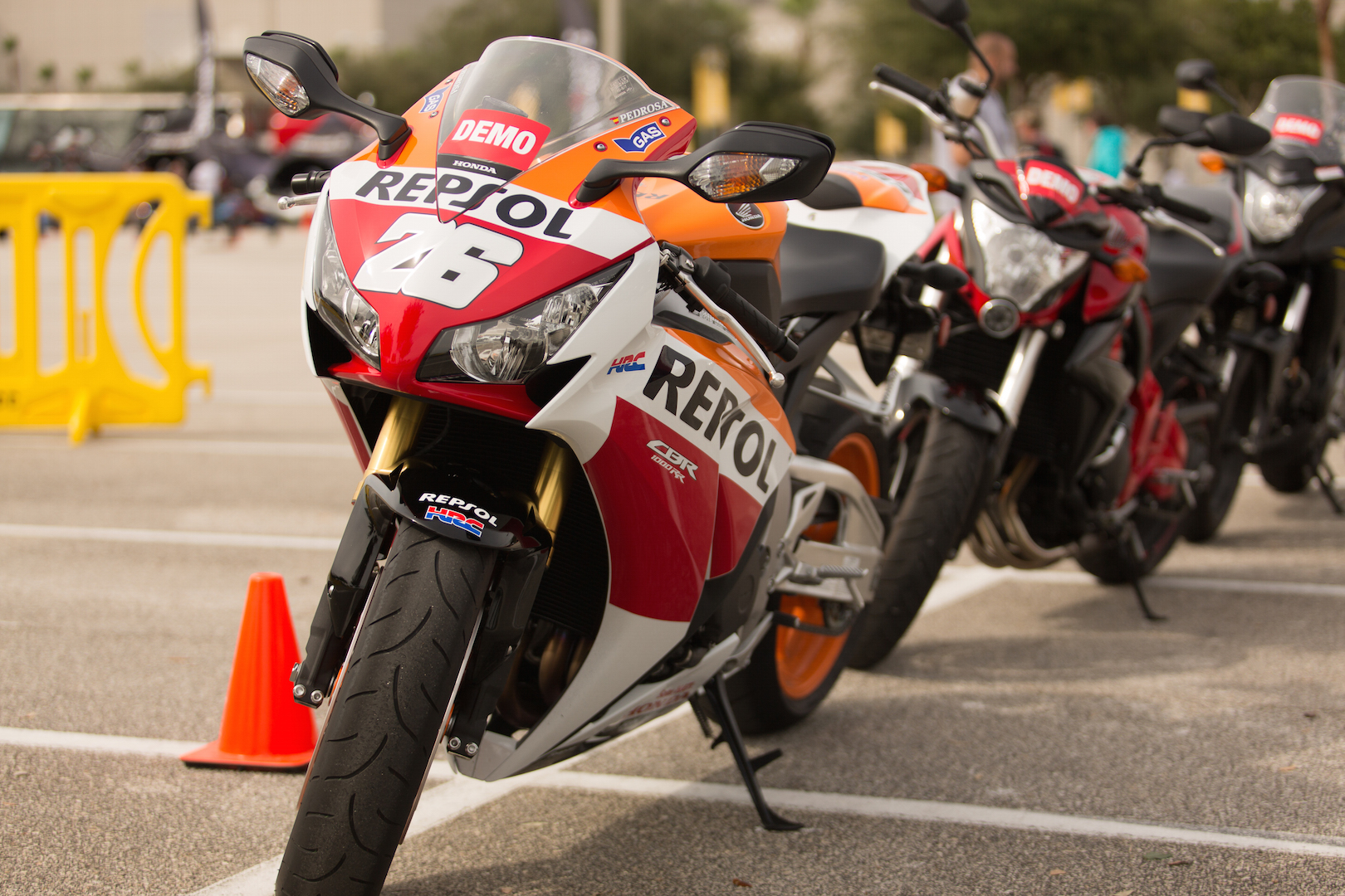 The 2015 Honda CBR1000RR Repsol Edition will rip your heart out like a superbike should. Video is below, text is below that. KEEPING SCROLLING SUCKA!