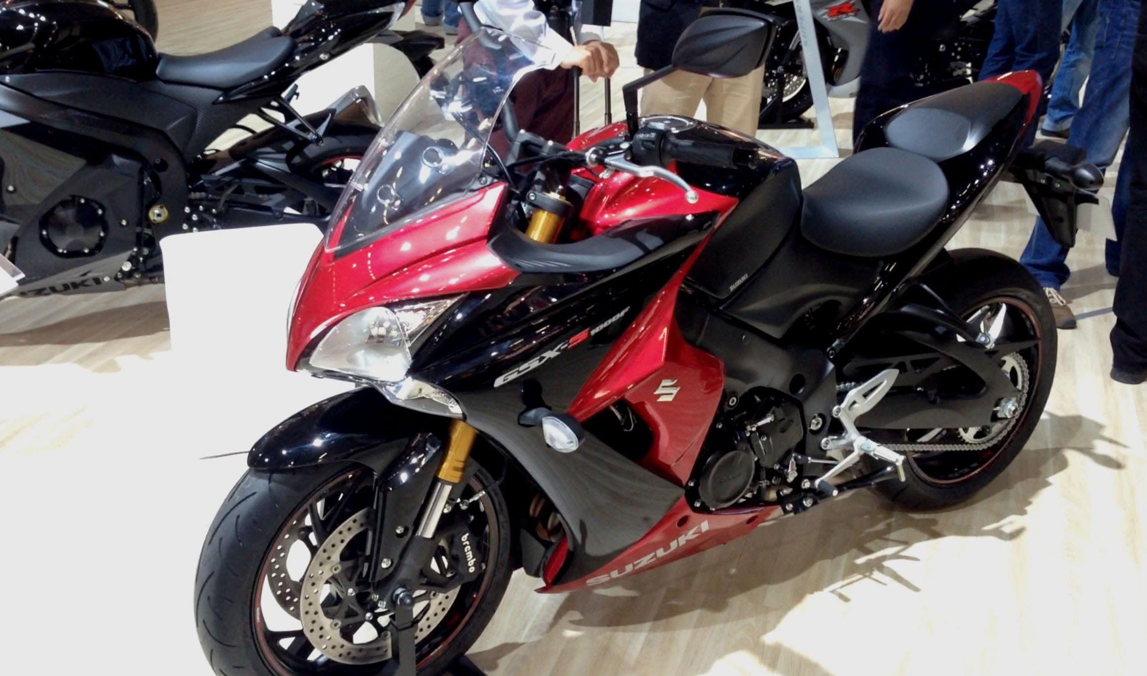 2015 Suzuki GSXS 1000 F. Look at dat red. Much red. So wow. Not my photo. Video below and text below that. KEEP ON SCROLLING SUCKA!
