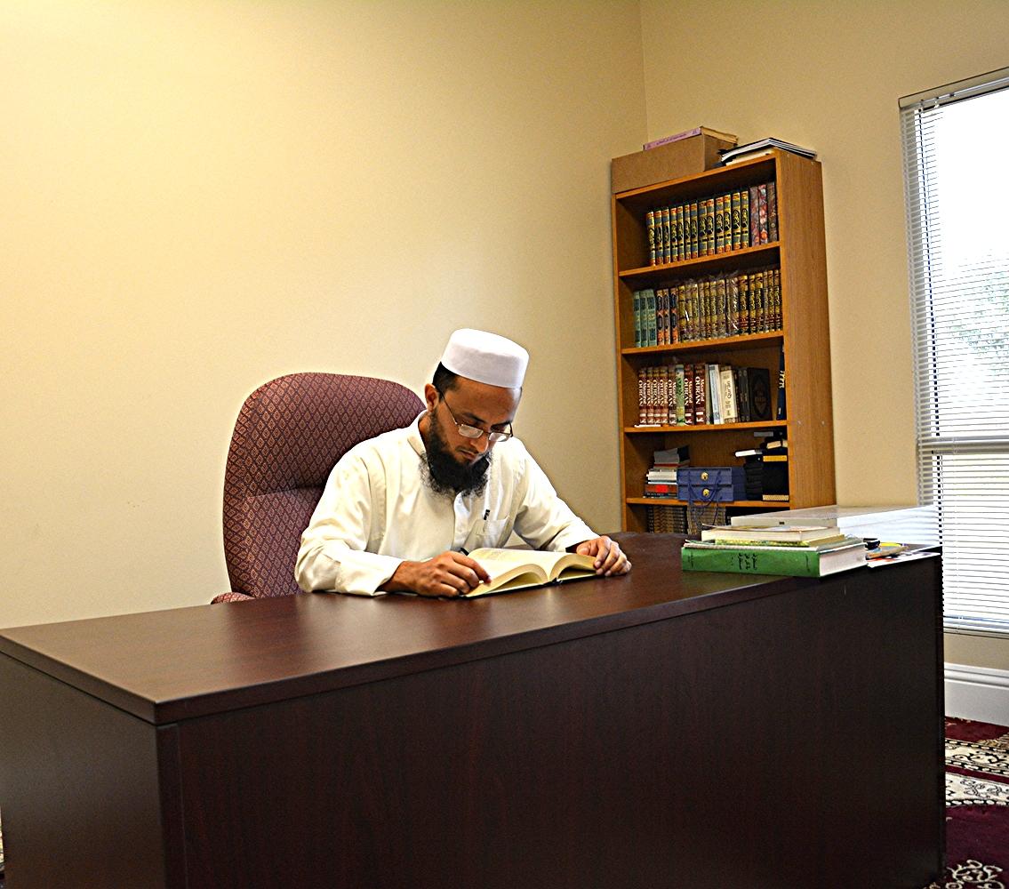 Imam Junaid Khan at the New Tampa Masjid (Daarus Salam)