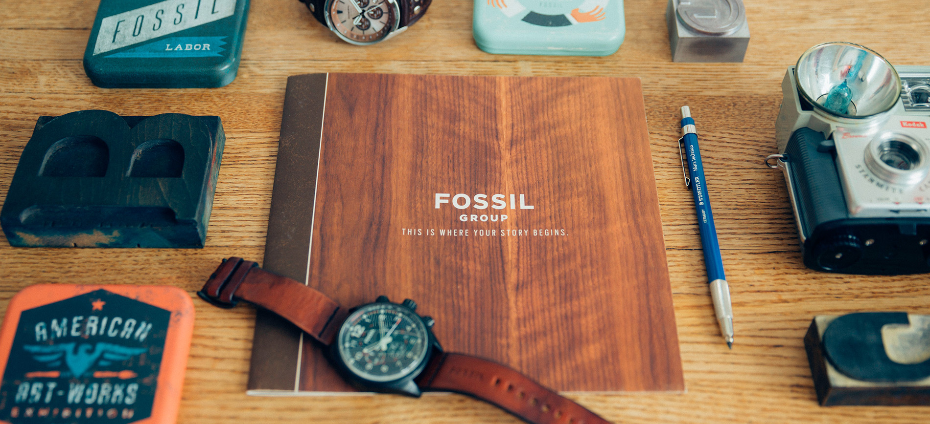 Fossil_Brochure_cover.jpg