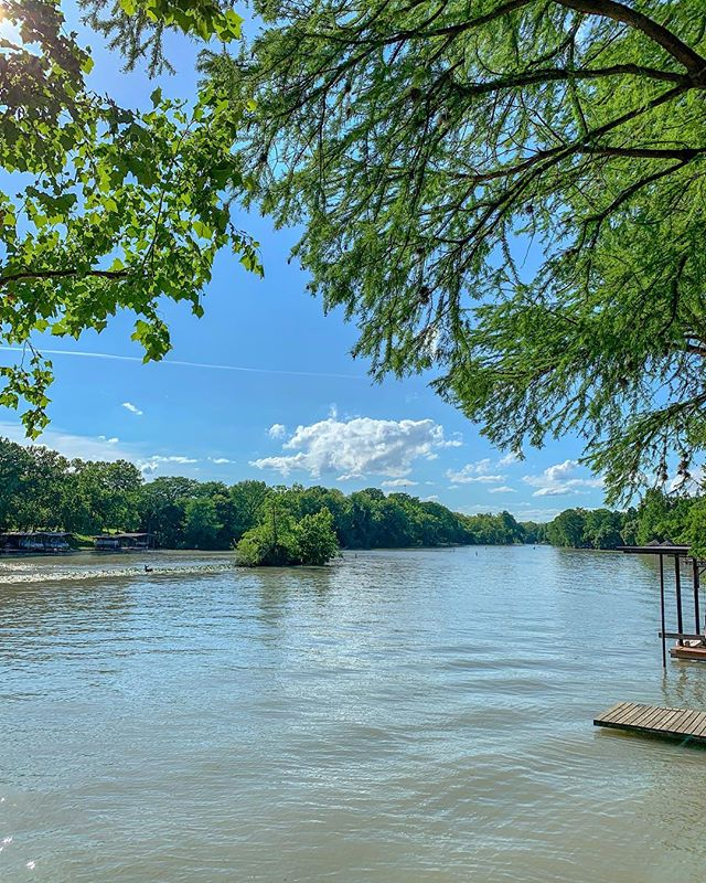 BEAUTIFUL day today! ☀️ . . . #lakefrontp #lakeview #lakeliving #laketime #lakedays #lakes #vrbo #homeaway #homeawayfromhome #vacation #family #trip #travel #picoftheday #instatravel #explore #familyvacation #newbraunfels #guadalupe #lakeplacid #lake #lakehouse