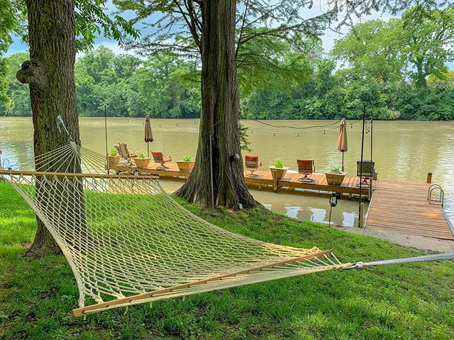 Loving our new hammock set up under the shade trees. Who's ready for summer?! . . . #vrbo #homeaway #homeawayfromhome #vacation #family #trip #travel #picoftheday #instatravel #explore #familyvacation #newbraunfels #guadalupe #lakeplacid #lake #lakehouse