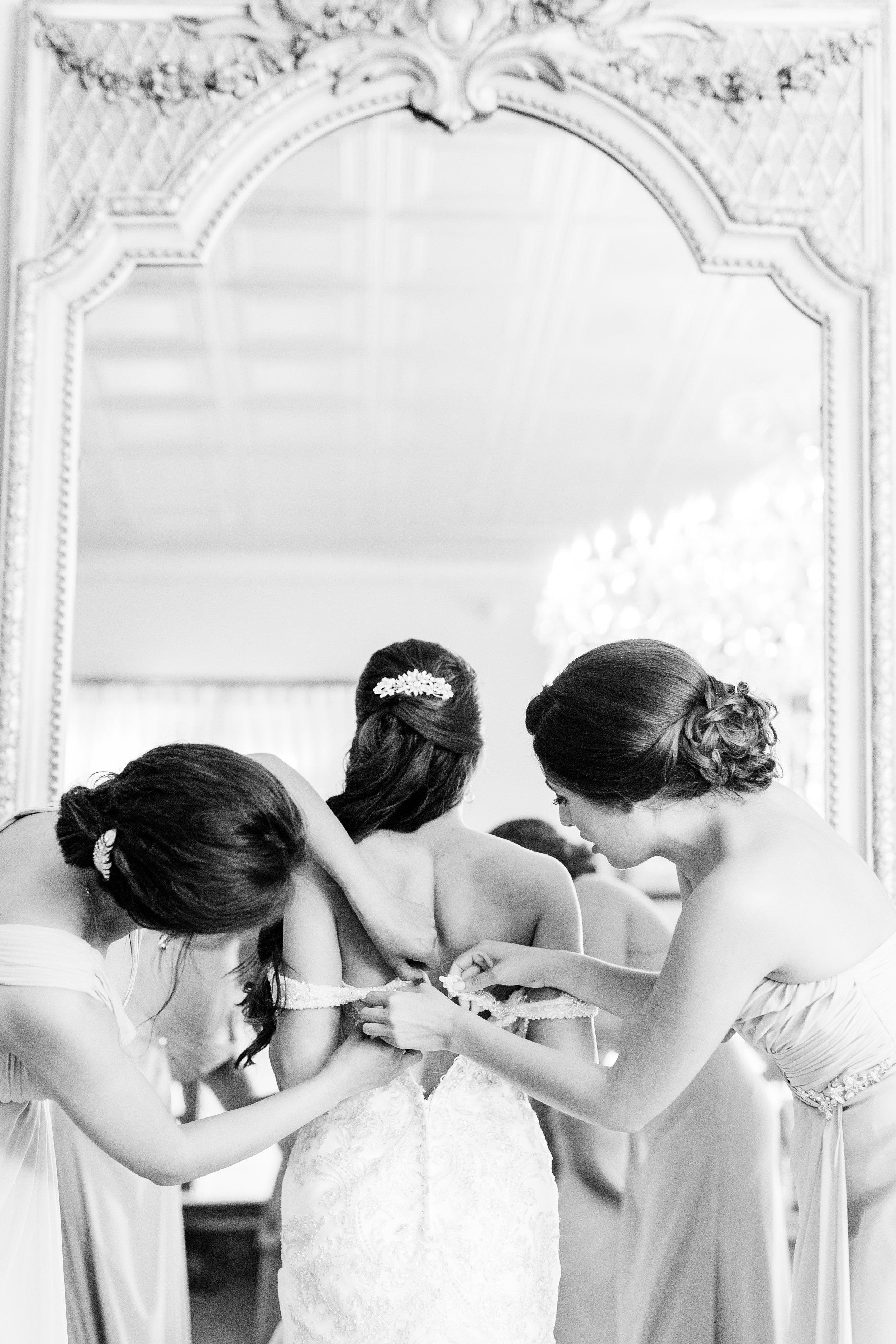 01-bride-getting-ready-79.jpg