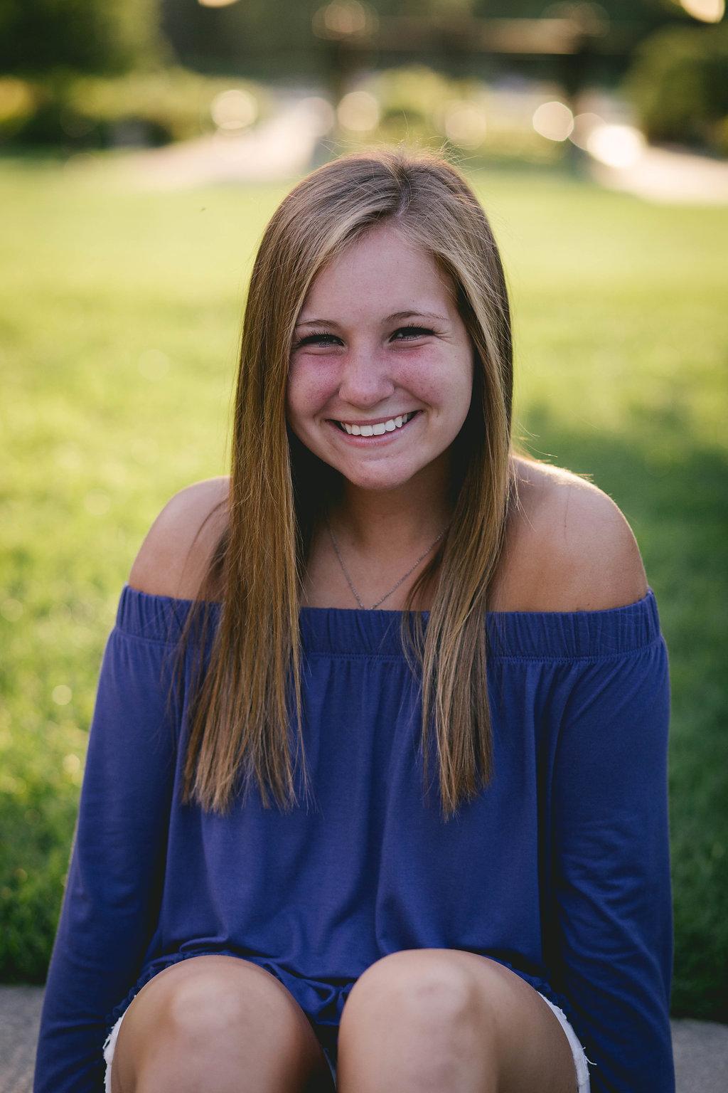Hannah,Senior-137.jpg