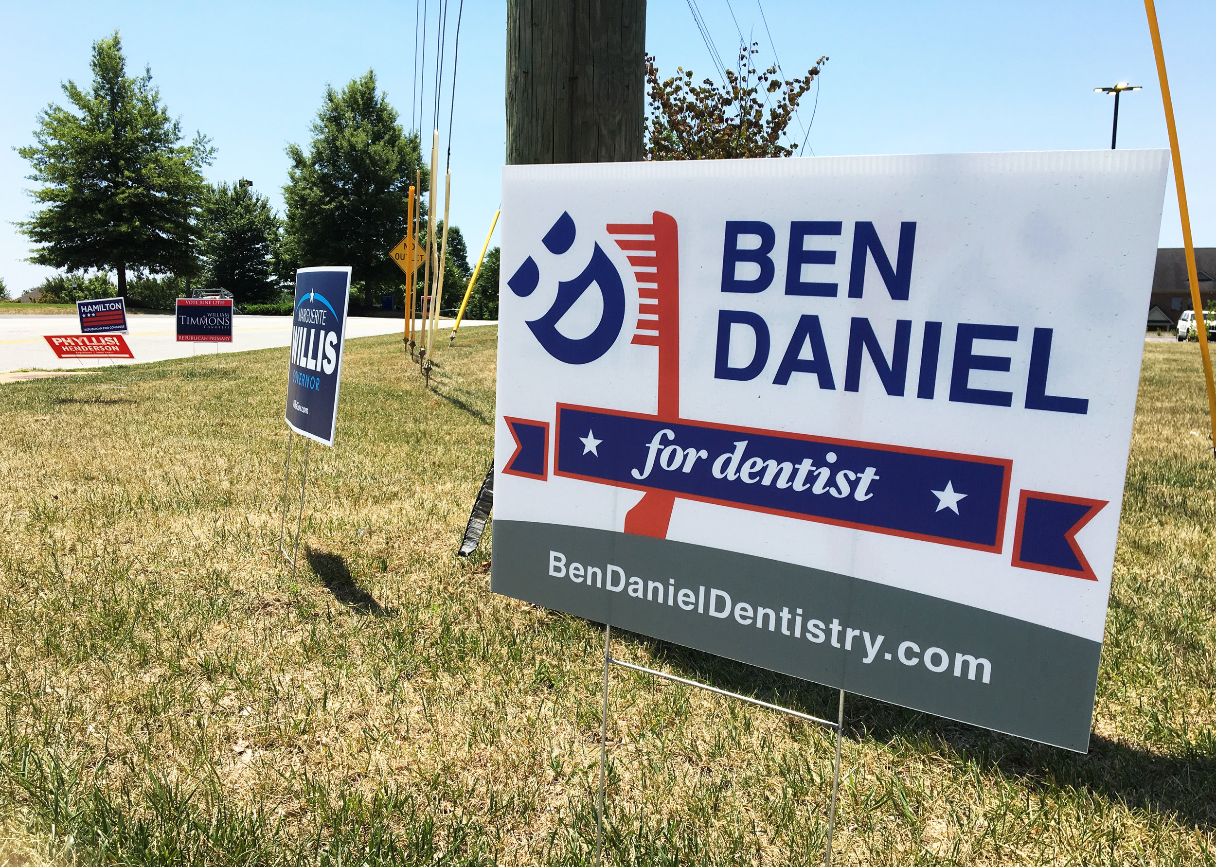 vote-guerilla-marketing-Ben-Daniel-for-dentist-3.jpg