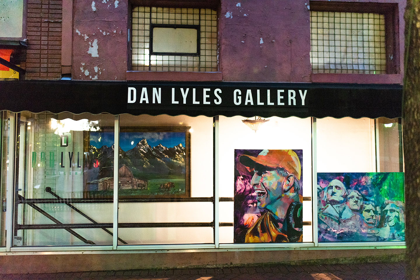 Currently Dan is getting spot lights and various artists/mediums hanging in this front, window space.
