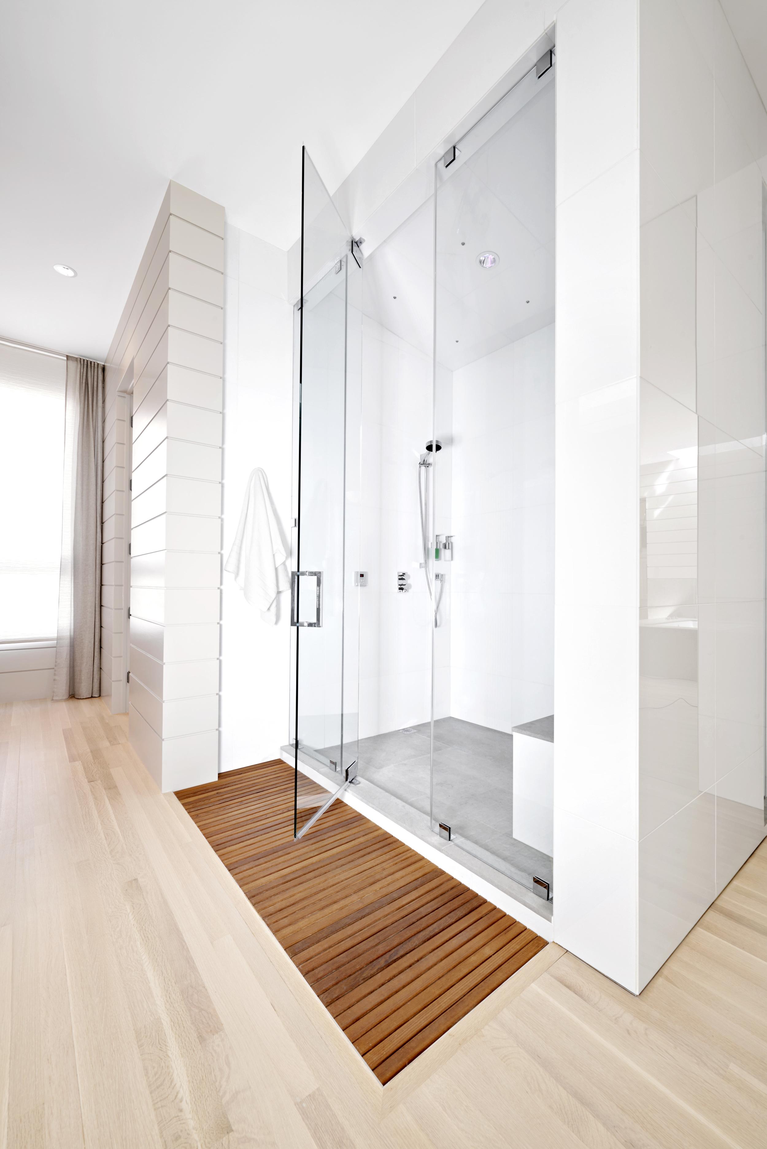 109 Westhampton Pl Nashville TN bathroom shower.jpg