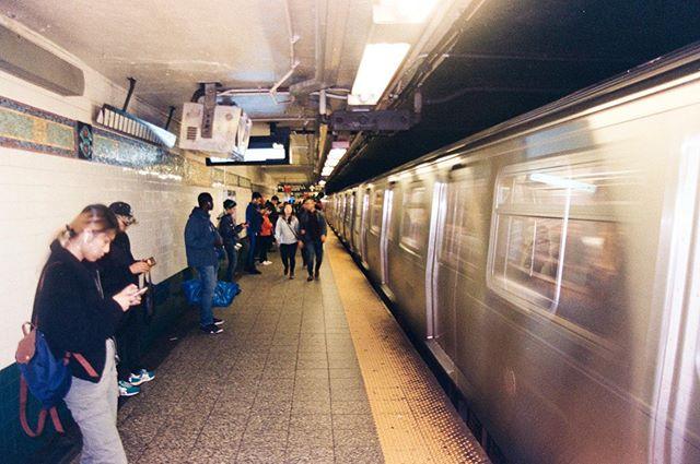 NYC - 🚇 - ⤴️⤵️ —— #35mm #kodakgold200 #filmcommunity #filmphotography #nyc